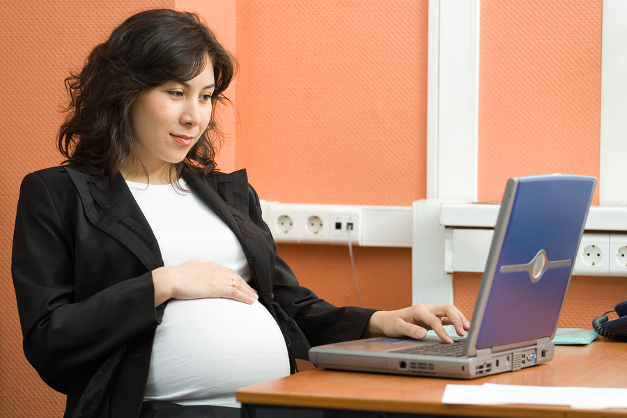 bigstock-Pregnant-Woman-At-Work-1460179.jpg
